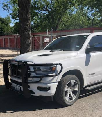 ROUGHNECK GRILLE GUARD