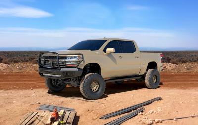 Ranch Hand  Midnight Front Bumper  w/ Guard    2020+  Silverado  HD  (MFC201BM1)